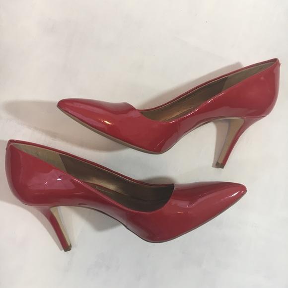 89aa3496dd5 BCBG Paris red patent leather high heels - 7 1/2 B